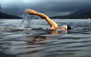 Почему нельзя плавать после еды: купаться в ванне