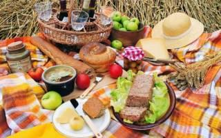 Что взять на пикник из еды список, что берут с собой на природу?