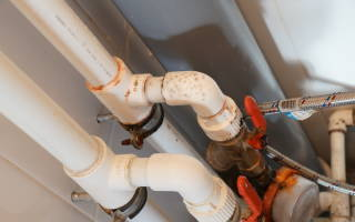 Конденсат на трубах холодной воды в туалете: чтобы трубы не потели