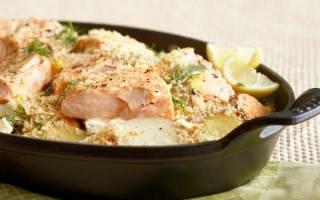 Как приготовить лосось в духовке с картошкой?