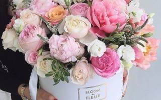 Коробочка с цветами и сладостями своими руками: как делать букеты из тюльпанов?