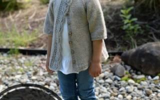 Детский свитер спицами на 2 года, красивые вязаные кофточки для девочек