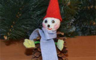 Гномики из шишек и фетра: кукла одуванчик
