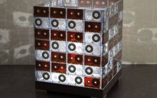 Что можно сделать из пленки от видеокассет: поделки из аудиокассет